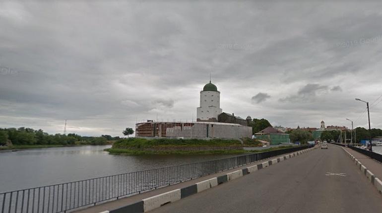 С моста в Выборге срежут замки молодоженов