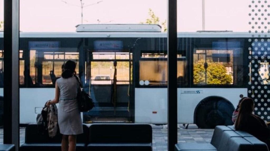 В Петербурге три автобуса изменят свой маршрут 14 и 15 июля
