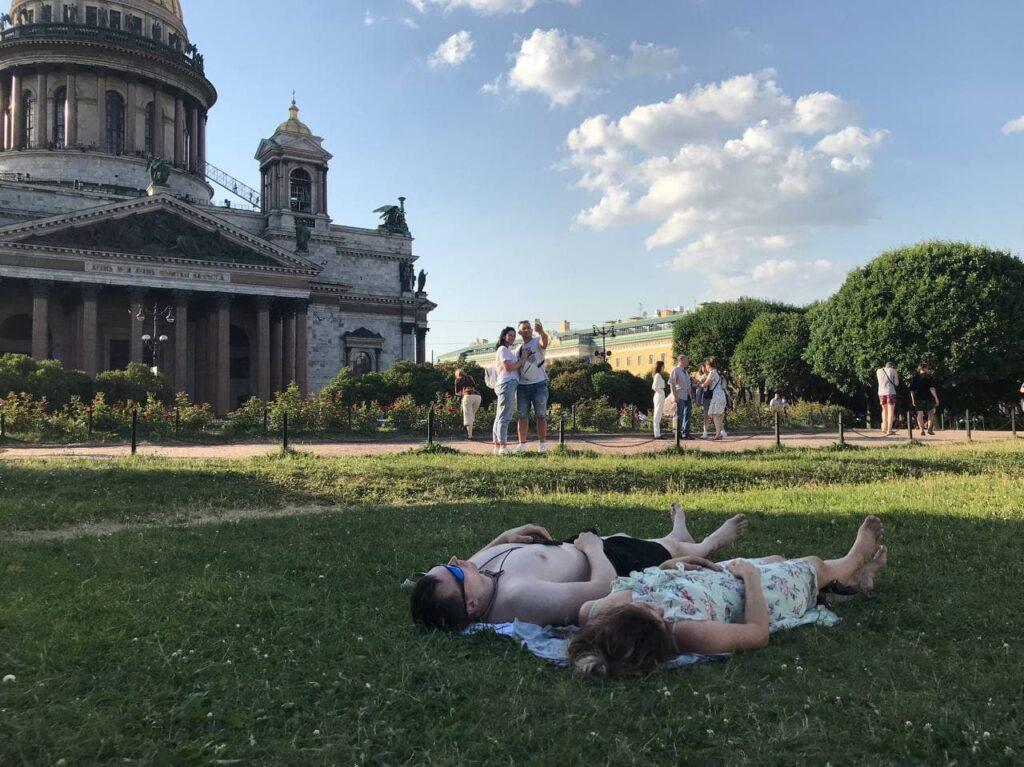 В Петербурге в субботу температура впервые за неделю опуститься ниже +30 градусов