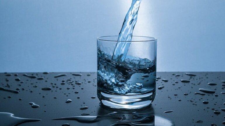 Председатель комитета по ЖКХ Ленобласти попросил не поливать грядки питьевой водой