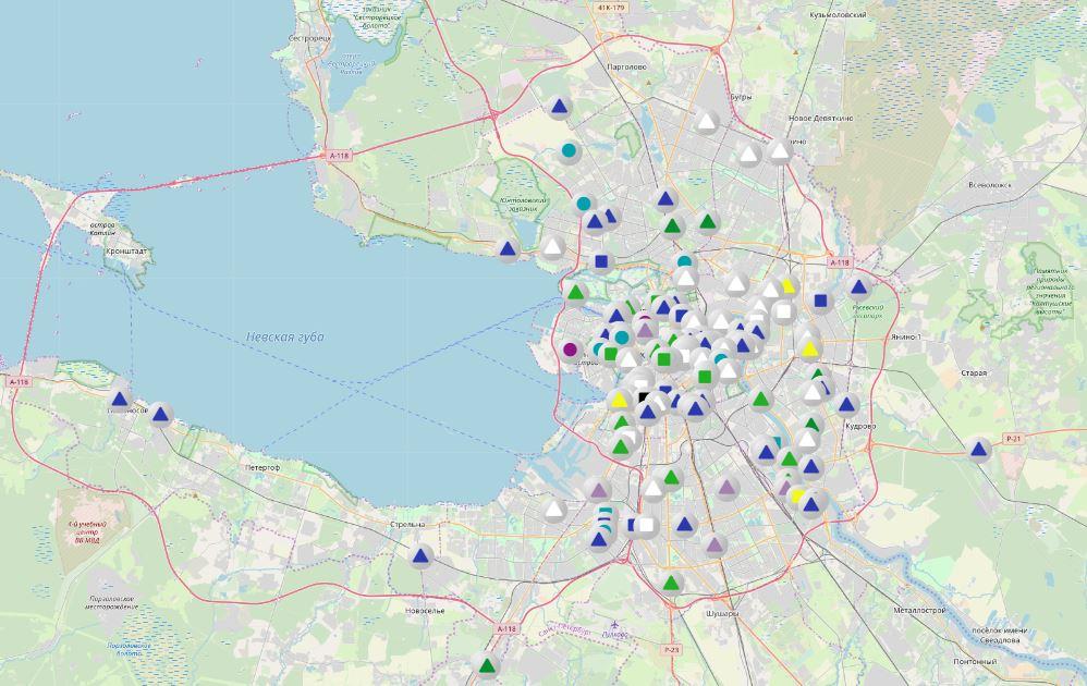 В среду уборочная техника не доехала до Петергофа, Стрельны и Кронштадта