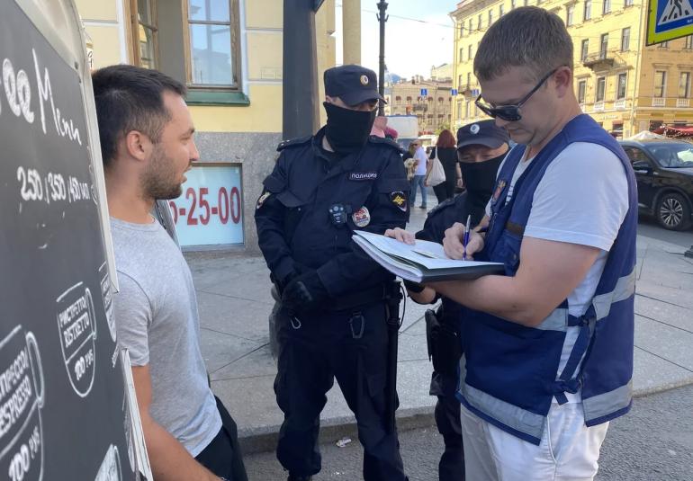 Владельцы «кофемобиля» у Казанского пытались отбить машину у ККИ
