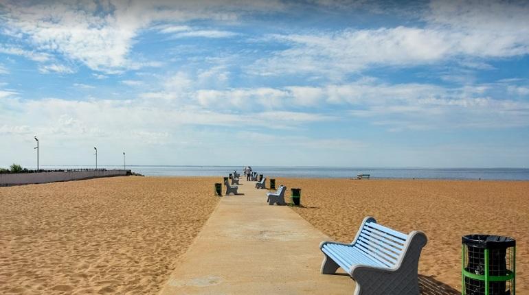 Пляж «Золотой» независимые эксперты оценили на двойку