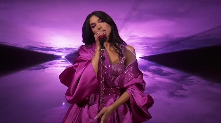 Певица Дуа Липа впервые снимется в кино