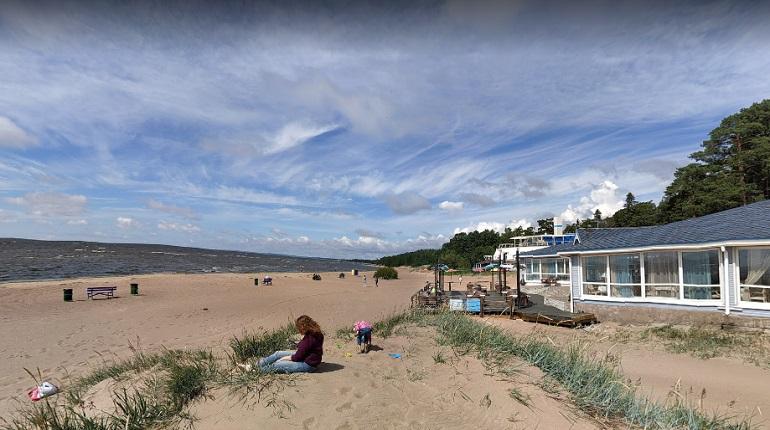 На «Комаровском» пляже нет ни душевых, ни туалетов