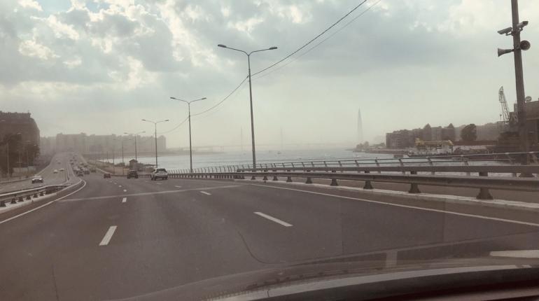 К вечеру в Петербург все же пришел дождь