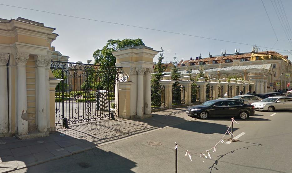 Власти Петербурга приговорили к сносу старинные флигели Воронцовского дворца на Садовой улице