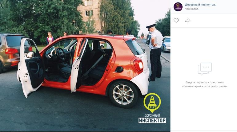 В Невском районе ночью сотрудники ДПС ловили нетрезвого водителя на каршеринге
