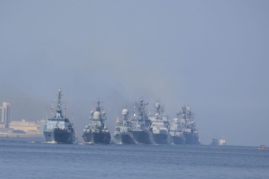 Корабли Пакистана, Индии и Ирана прибыли в Петербург на Главный военно-морской парад