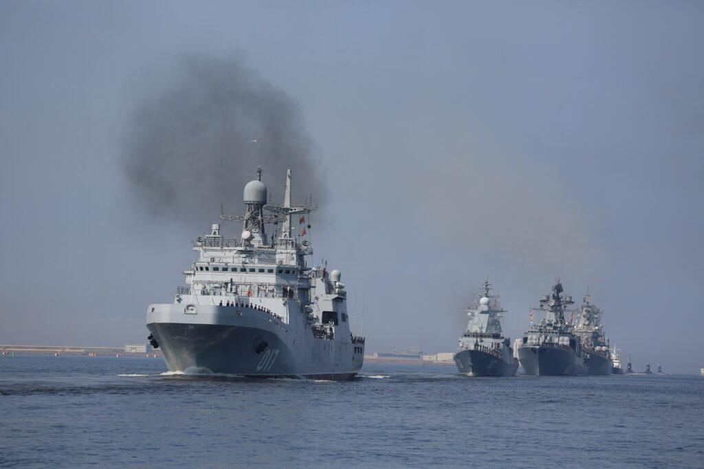 В Кронштадте из-за непогоды отменили репетицию парада ВМФ