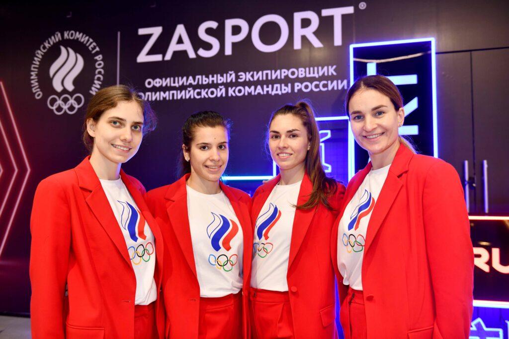 Российская команда по фехтованию получила золотую медаль на Олимпиаде