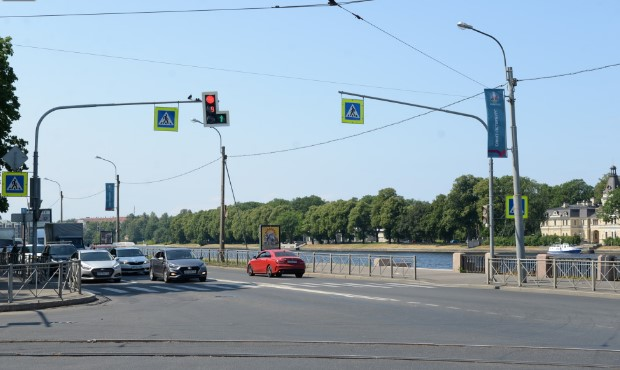 Песочную набережную на Петроградской стороне отремонтируют к августу 2021 года