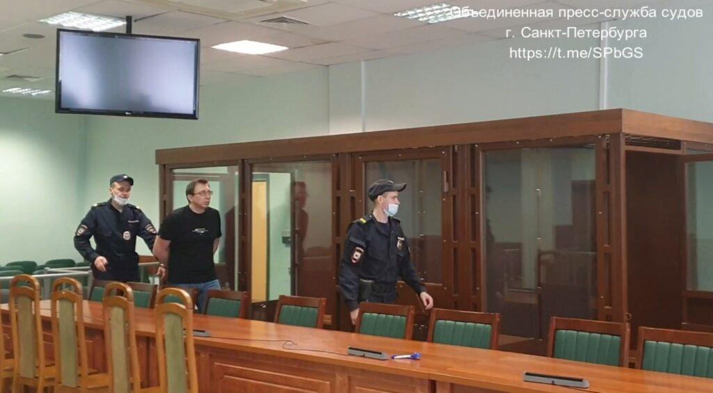 Экс-зампреду Таврического банка Гаркуше продлили арест по делу о мошенничестве с кредитами