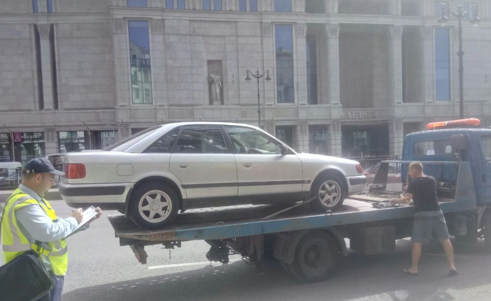 Комтранс Петербурга назвал улицы, на которых будут штрафовать нарушителей парковки с 5 по 8 августа