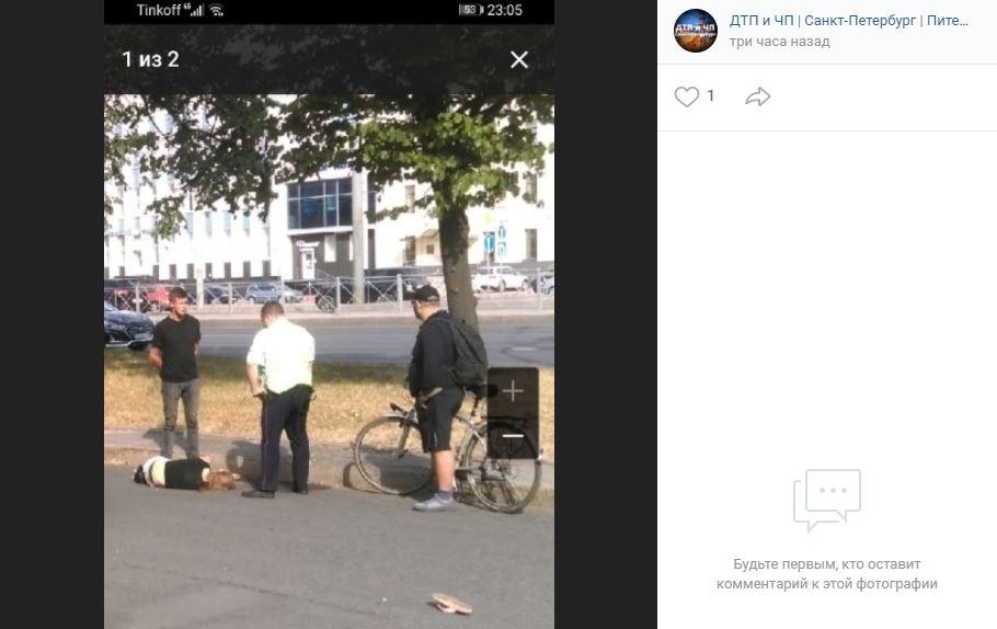 В Петербурге на Пискаревском проспекте сбили девушку на пешеходном переходе