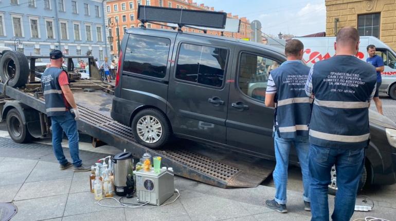 Чиновники ККИ освободили центр Петербурга от трех овощных лотков