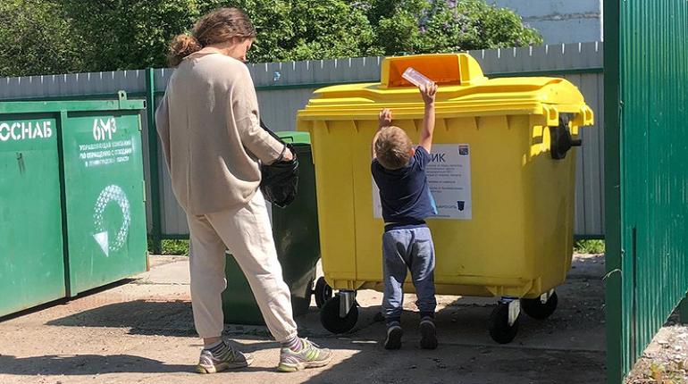 В Мурине и других городах Ленобласти установили почти 500 баков для раздельного сбора мусора