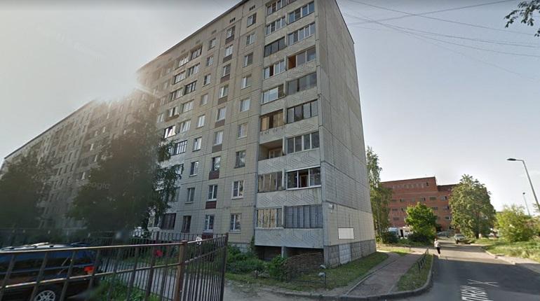 В Невском районе пожарные тушили «двушку»