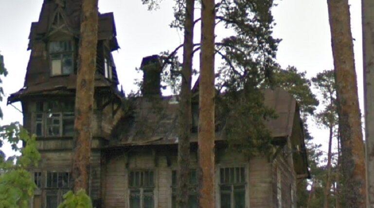 Семья из Сестрорецка живет в готовой развалиться даче Кривдиной