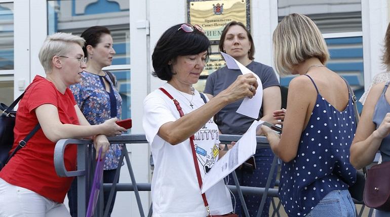 Петербургские активисты подали Беглову петицию против принудительной вакцинации