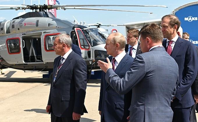 Путину продемонстрировали новый российский военный истребитель