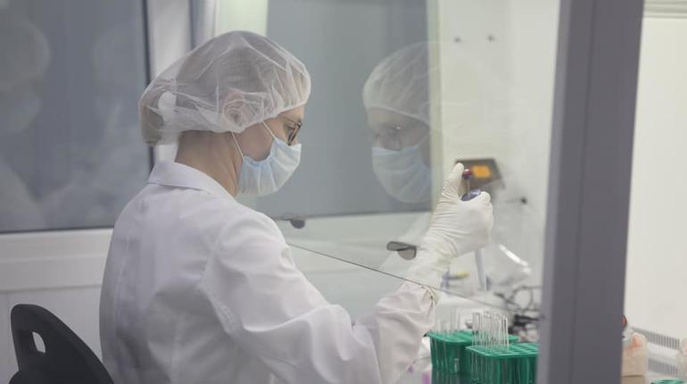 Минздрав рассказал, кому противопоказана вакцина от коронавируса «ЭпиВакКорона»