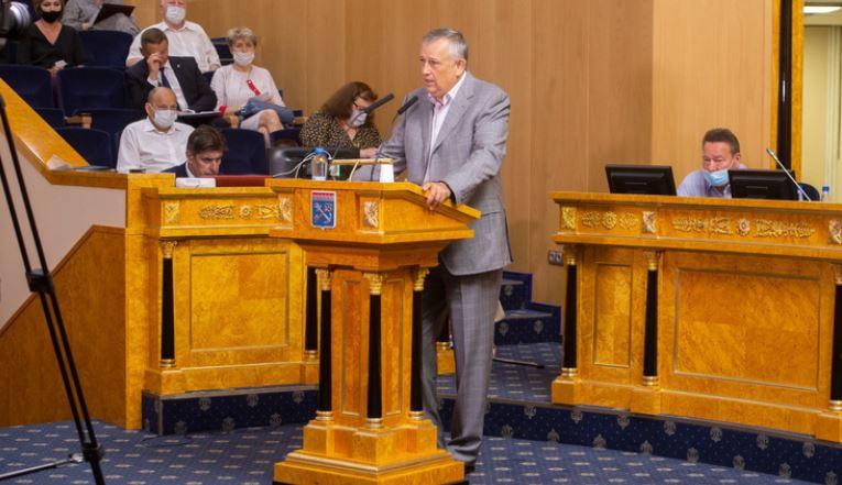 Дрозденко поблагодарил за работу депутатов ЗакСа шестого созыва, несмотря на «крики в кабинетах»