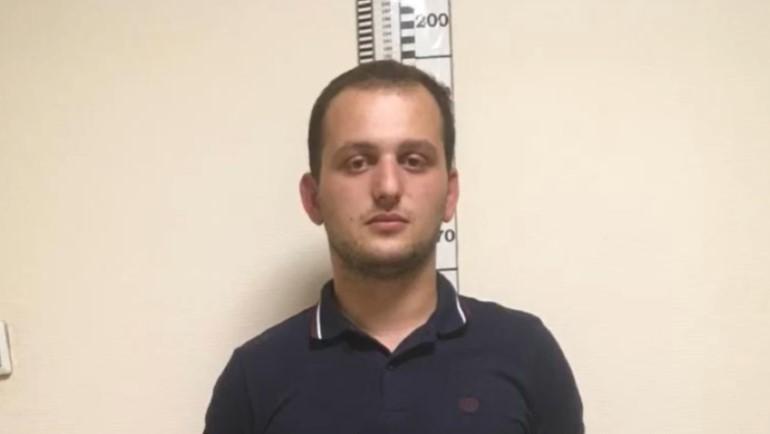 В Петербурге задержали подозреваемого в избиении водителя на дороге