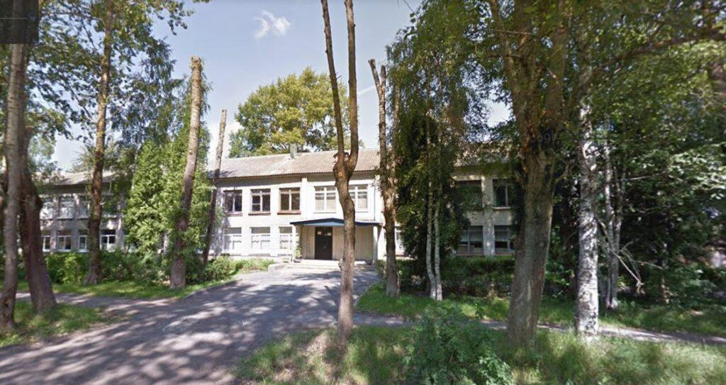Дрозденко поручил завершить реновацию Лукашевской школы к 1 сентября