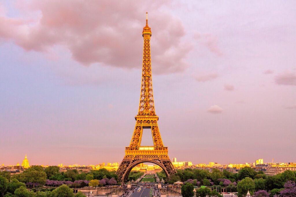 Во Франции более 160 тысяч граждан вышли на митинги против введения санитарных пропусков