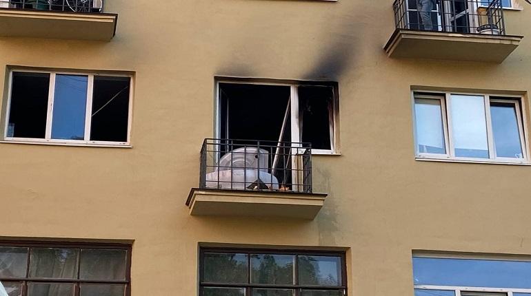 Пожар в Петроградском районе местные жители тушили водой из тазика