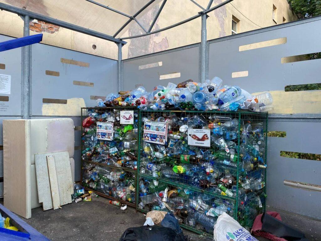 На Васильевском острове обострились проблемы с вывозом пластика