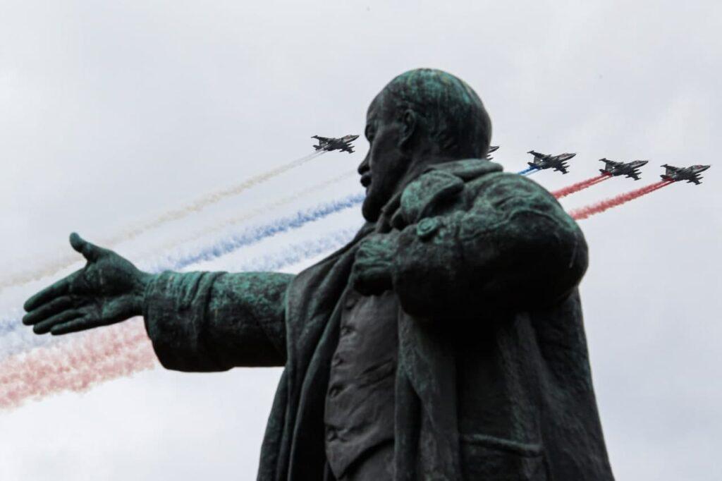 Все меньше россиян хотят закопать Ленина