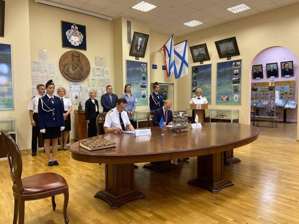 Выпускников «Макаровки» возьмут на работу в новый порт Приморска: есть 6 тысяч мест