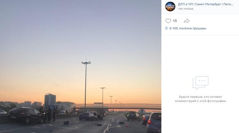 На Московском шоссе столкнулись шесть машин — пострадали дети