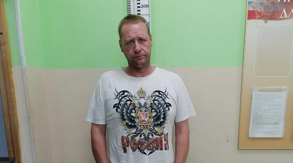 На Маршала Захарова двое подростков попали под обстрел, подозреваемый задержан