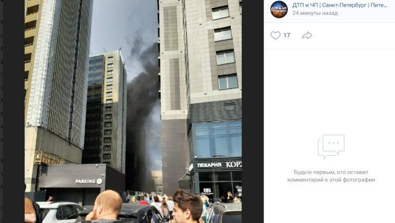 На Салова загорелся строящийся апарт-отель