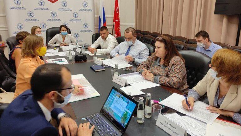 «Справедливая Россия» представила в петербургский Избирком документы для заверения списка кандидатов в ЗакС