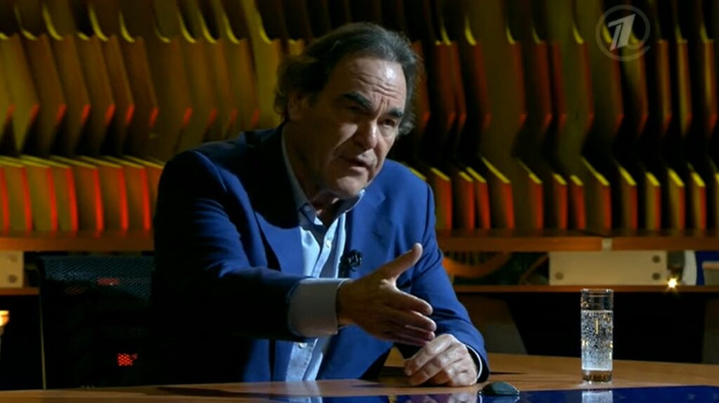 Привившийся «Спутником V» американский режиссер Оливер Стоун снялся в фильме про вакцины