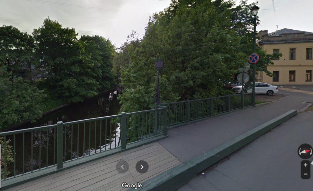 У площади Александра Невского хотят вырубить больше 300 деревьев