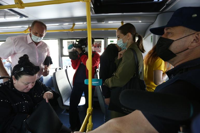 Более 600 безмасочников: комитет по транспорту проверил соблюдение масочного режима