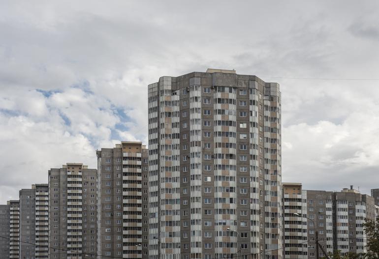 Многоквартирные дома Петербурга проверяют на готовность к отопительному сезону