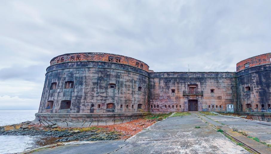 Правительство РФ выделило деньги на реконструкцию фортов Кронштадта