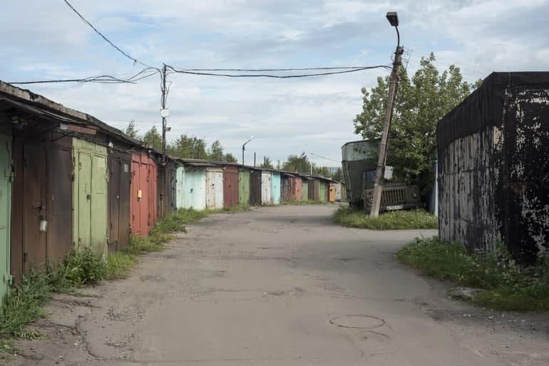 ККИ лишил более двух тысяч петербуржцев возможности получить «гаражную амнистию»