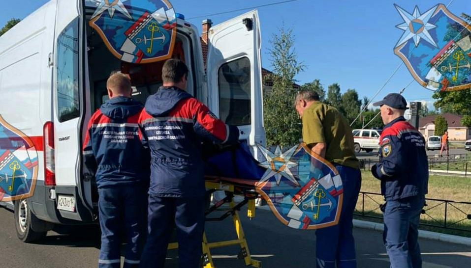 В Ленобласти мужчина упал с платформы на рельсы