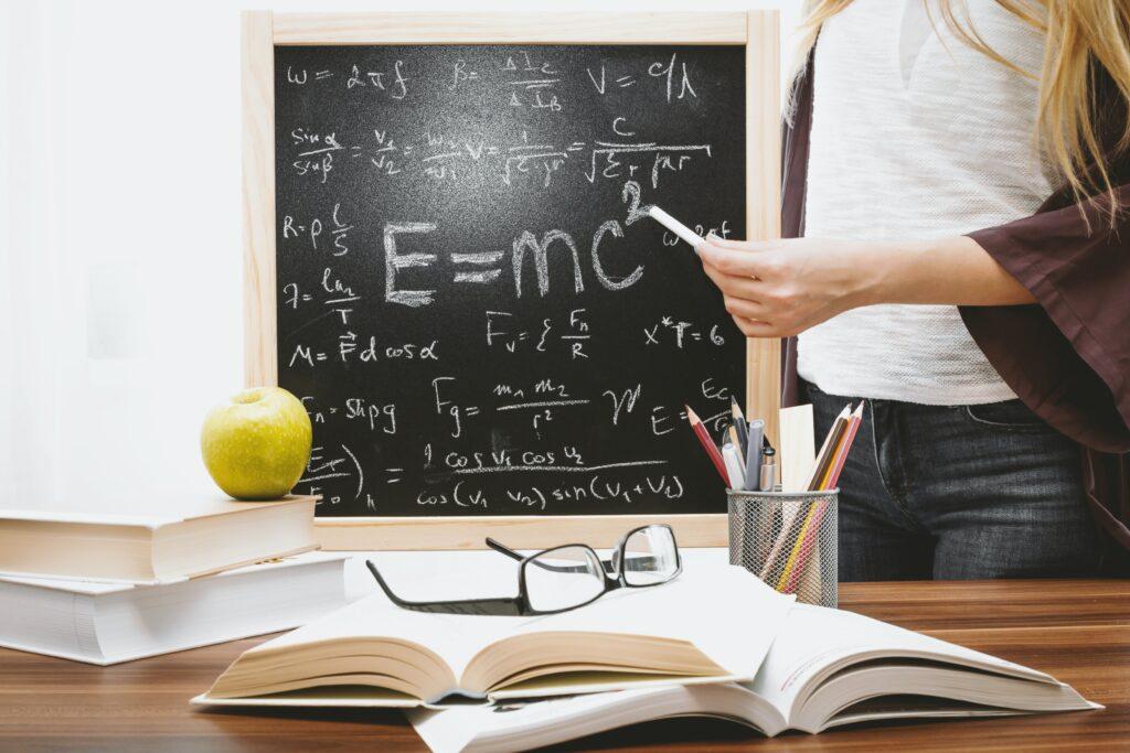 Американские физики доказали, что материю можно получить из чистой энергии
