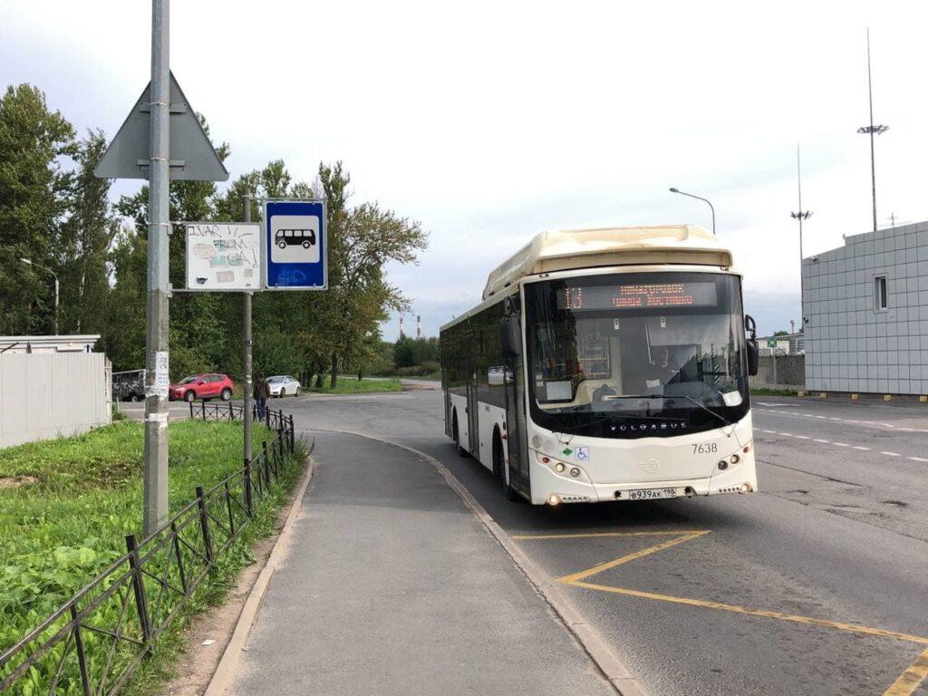 В Петербурге с понедельника увеличат количество автобусов на восьми маршрутах