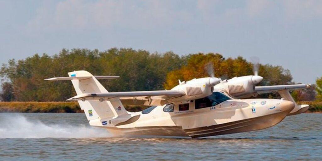 В Московской области самолет-амфибия потерпел крушение