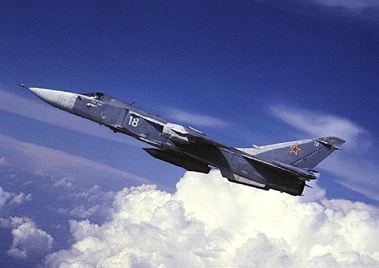 Катапультировавшиеся летчики упавшего бомбардировщика Су-24 живы