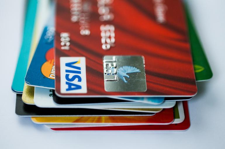 В 2022 году Visa повысит комиссии за покупки в супермаркетах